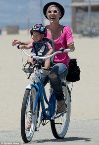 Millennial bike mom
